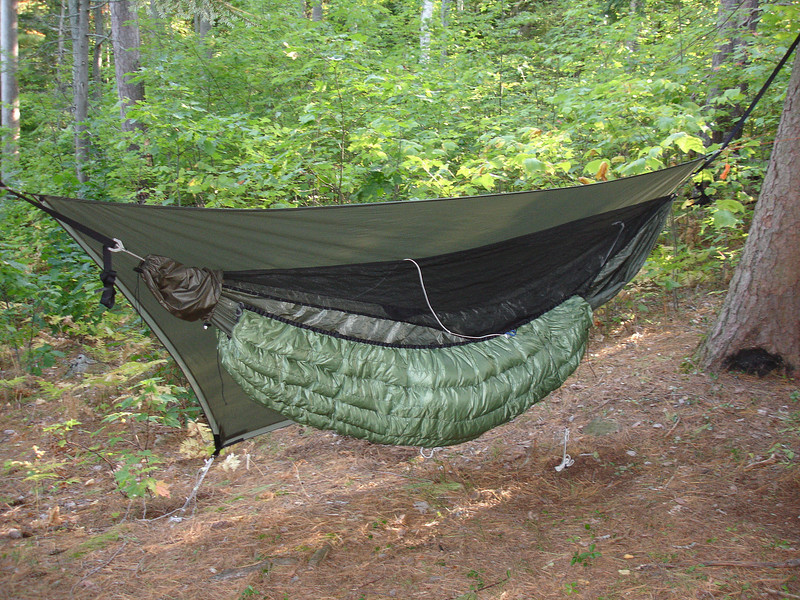 900 fill down  green with silver grey interior older sewn through construction  older simpler suspension without draft collars  still awesome and wonderful     canucks wbbb bmbh hg uqs uqp siltarp stoves  rh   hammockforums